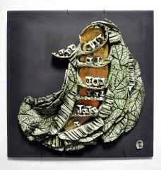 'Duvar Seramiği', Serbest elle şekillendirilmiş ,sırlı porselen ve , karışık malzeme ,1260°C, 35x35 cm, 2014